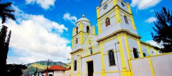 Catedral San Juan y Parque Central de Jinotega
