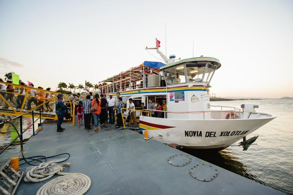 Paseo en Ferry Salvador Allende