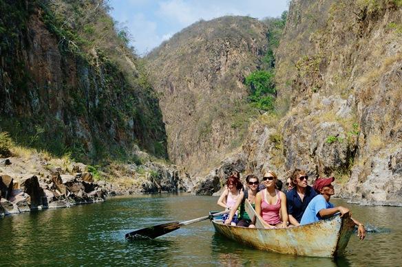 Turistas en el Cañon de Somoto