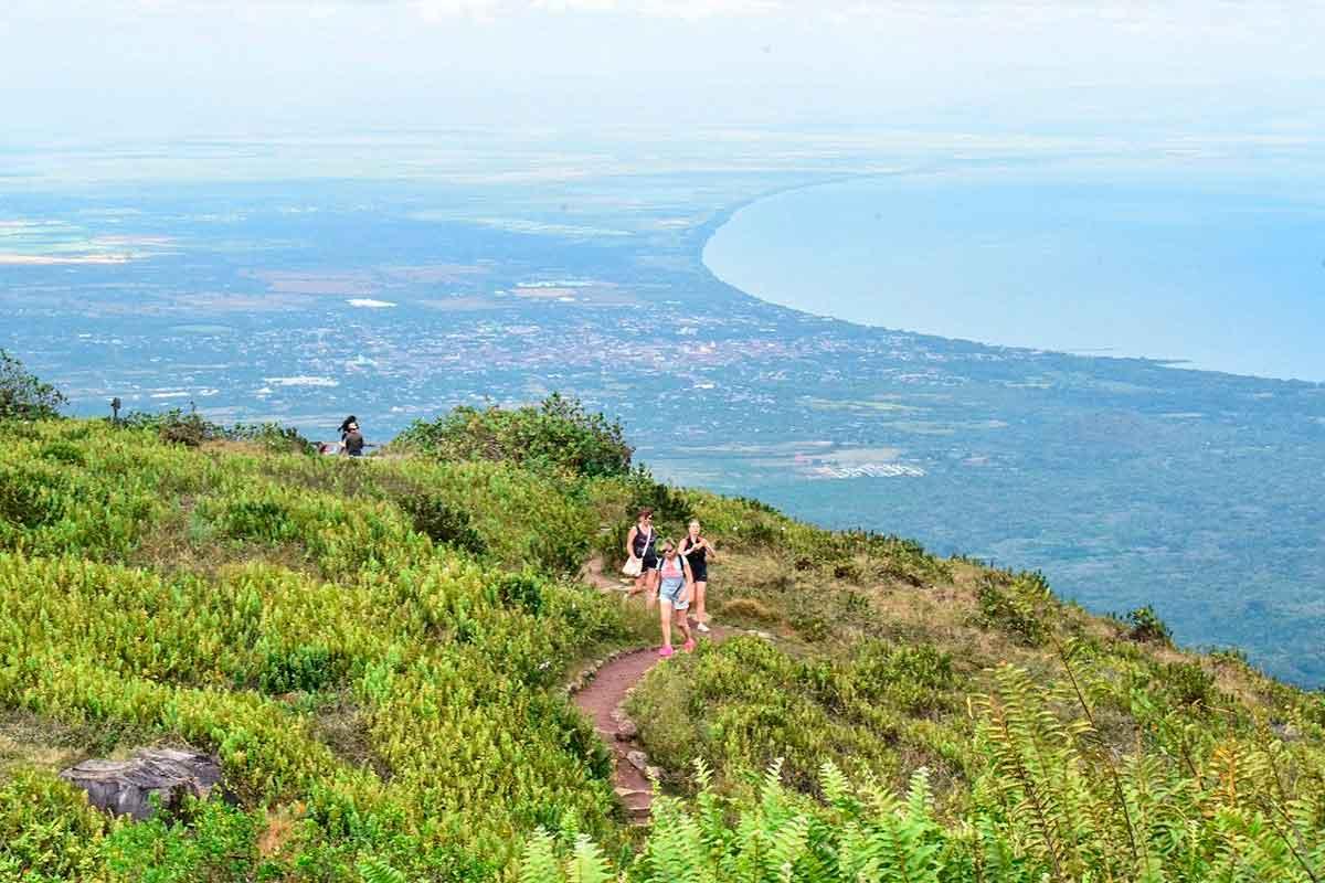 Granada---Volcán-Mombacho-Nicaragua