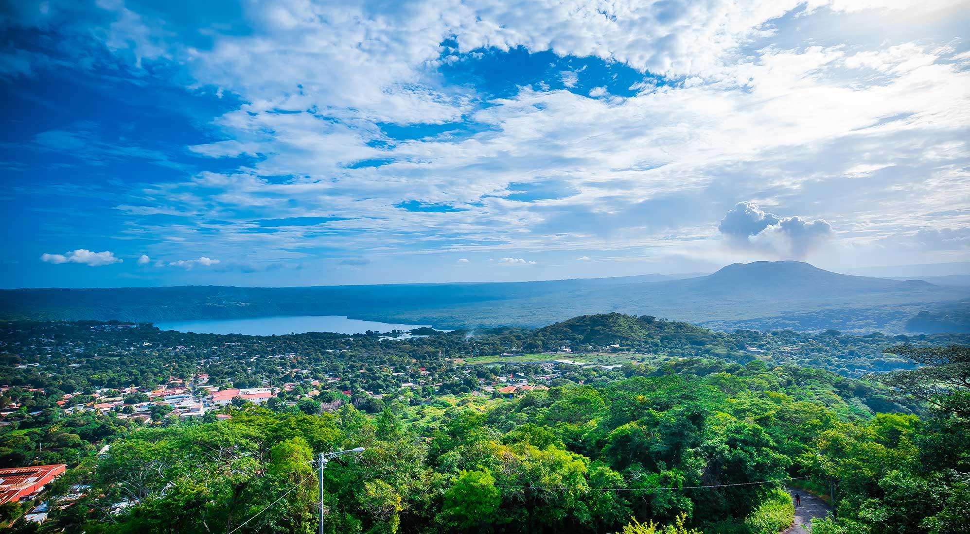 Vista-de-Managua-desde-el-Coyotepe-Masaya