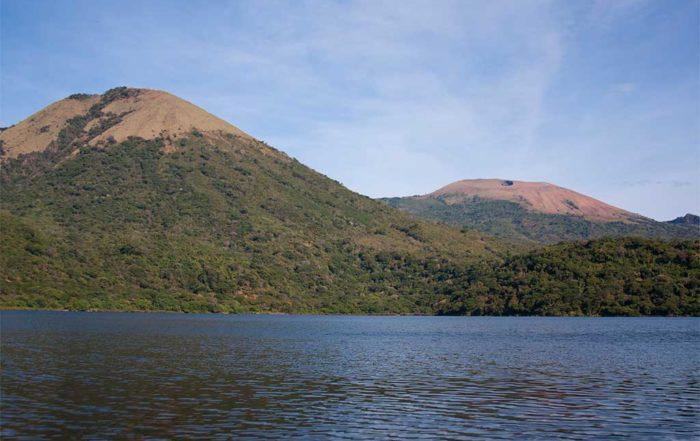 Volcán-cerro-el-hoyo-León