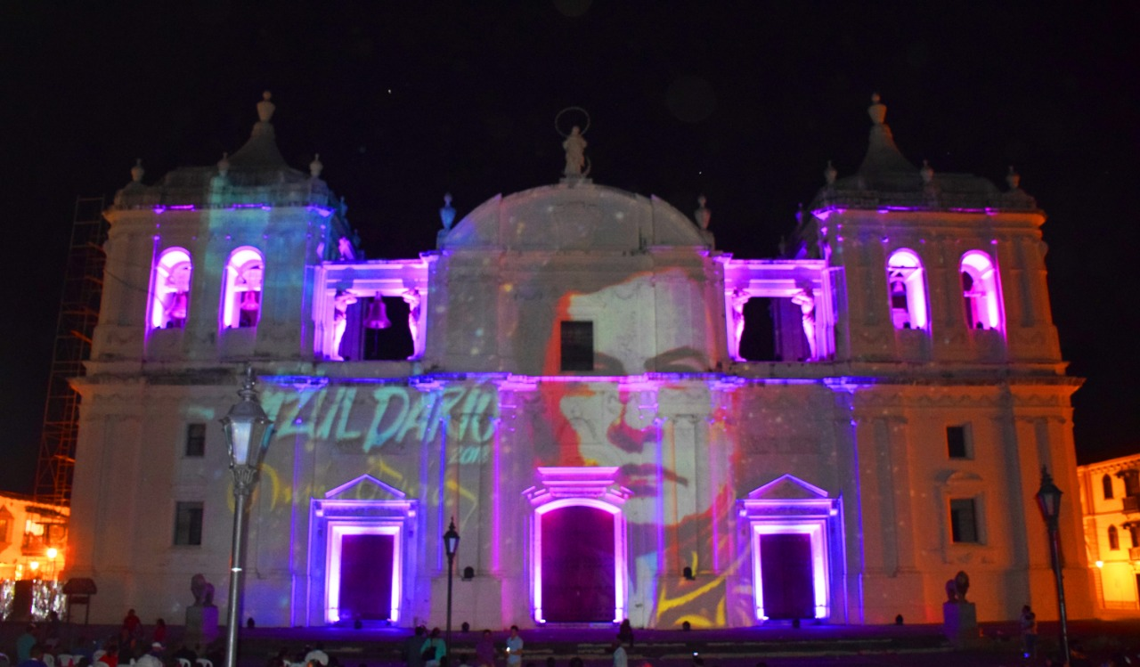 catedral de leon-azul dario -mapping nicaragua