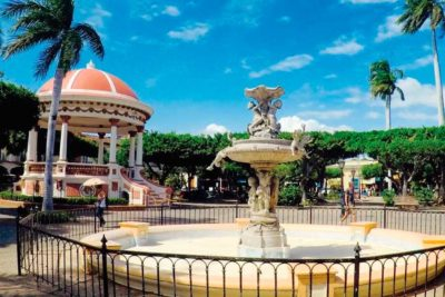 Parque-Colon-Granada-Nicaragua