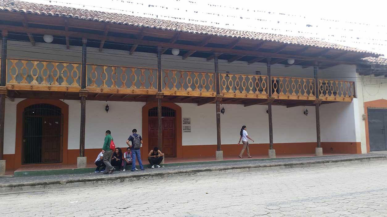 Biblioteca-Municipal-de-Ocotal