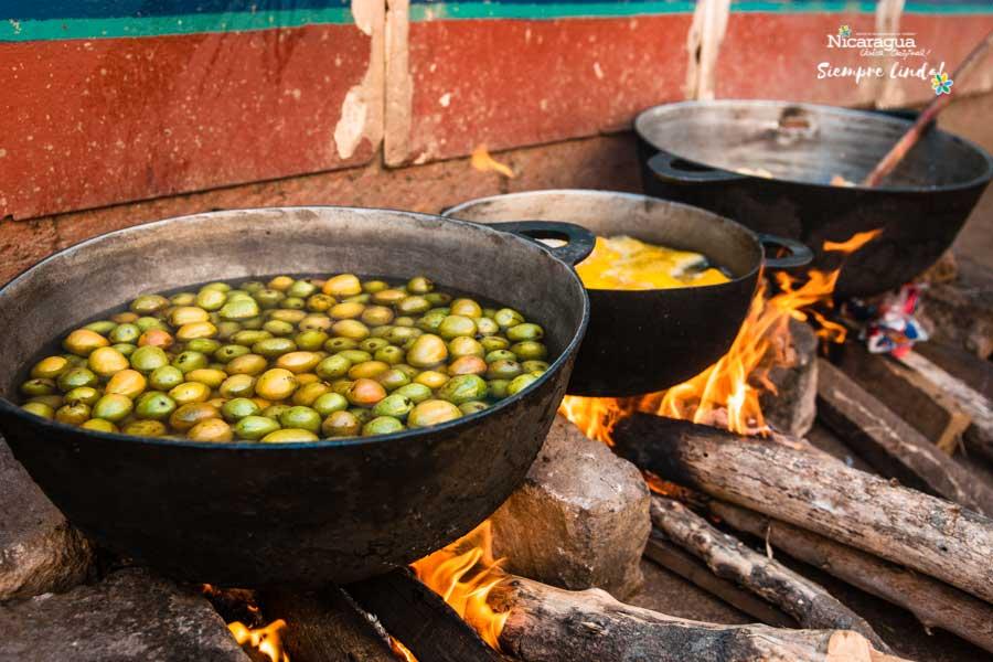 jocotes Almibar-Nicaragua-Semana-Santa