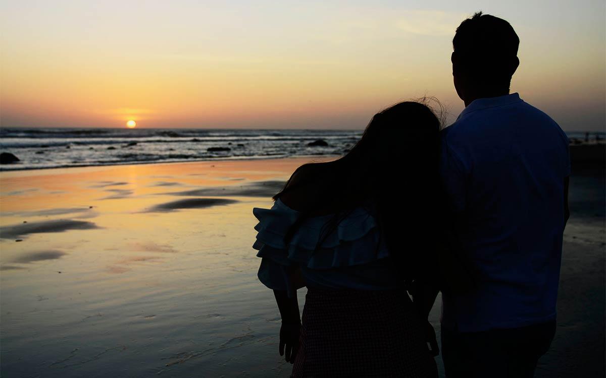 pareja-playa-Nicaragua