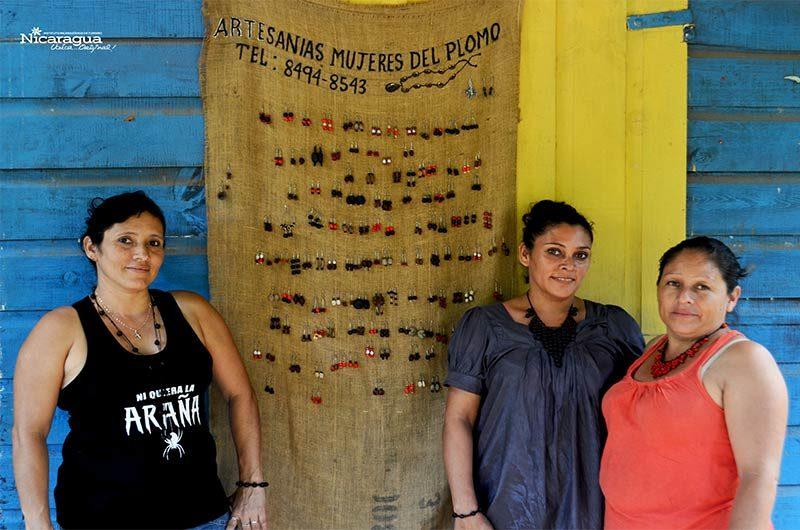 Matagalpa-artesania-mujeres del plomo