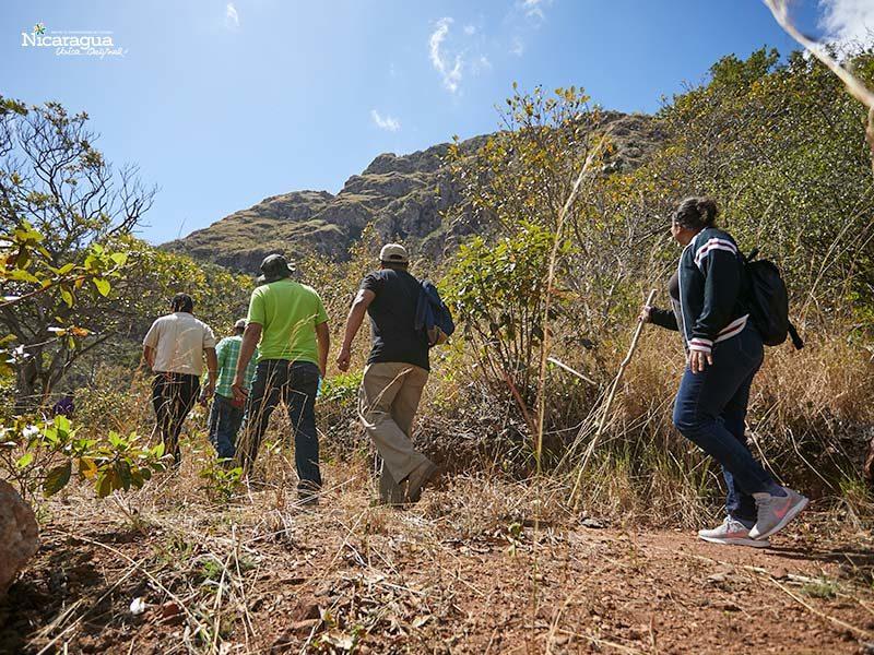 Sendero en cerro Quizaltepe,-Boaco